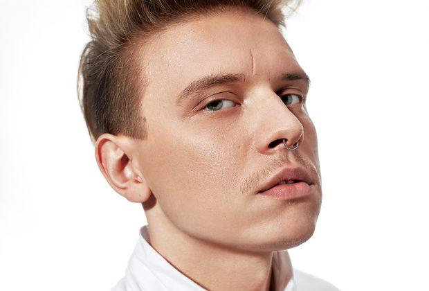Zmiana włosów na wiosnę - jakiego fryzjera w Warszawie wybrać